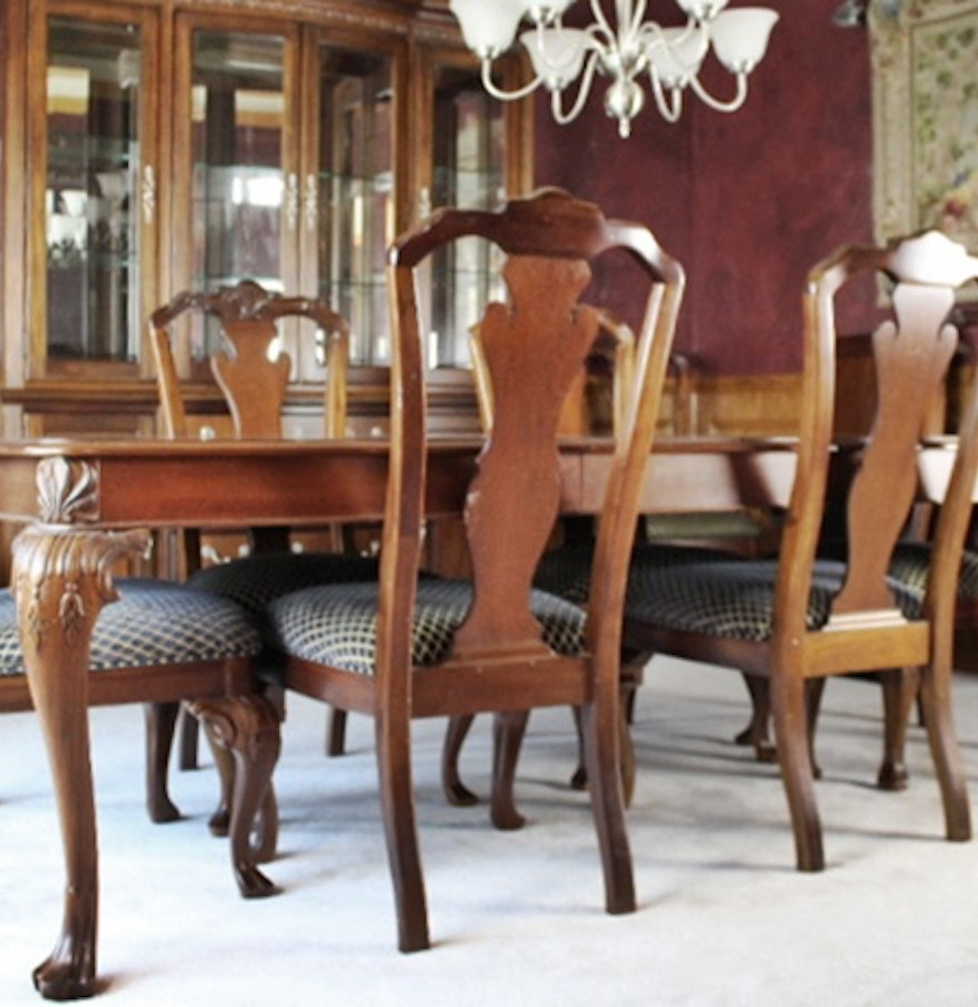 Dining Room Table And 8 Chairs Thomasville Impressions Quottrafalgarquot Diningroom Table Amp 8 Chairs Ebth
