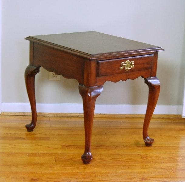 Henkel Harris Solid Cherry End Table In Queen Anne Style ...