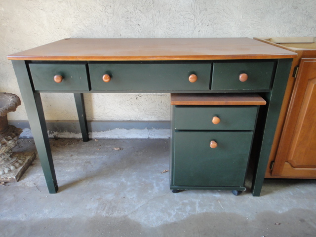 Green Desk with Matching File Cabinet : EBTH