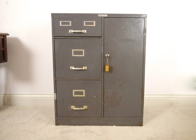 Exceptionnel Vintage Filing Cabinet By Steelmaster ...