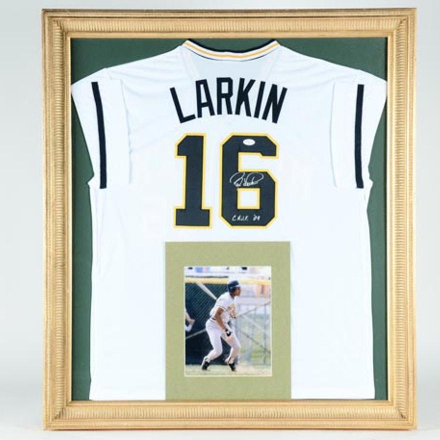 Framed Barry Larkin Signed Michigan Baseball Jersey : EBTH