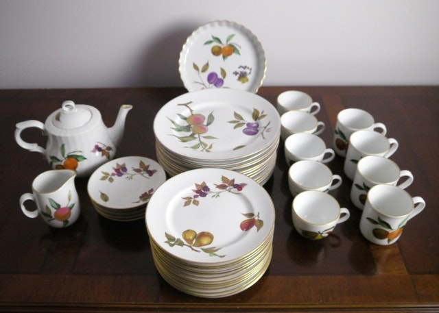Collection of Royal Worcester \ Evesham\  China ... & Collection of Royal Worcester \