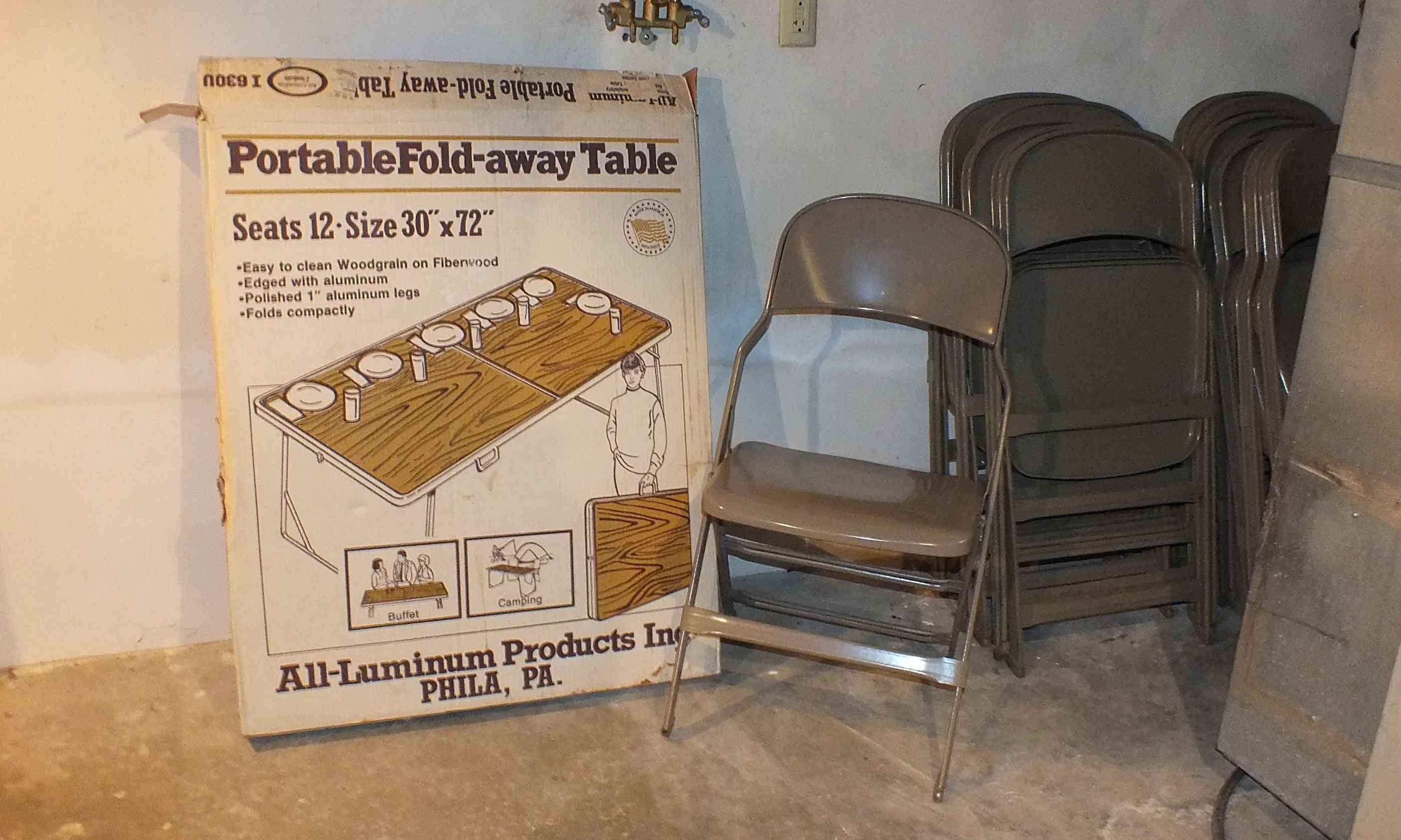 Fresh Foldaway Table and Chairs