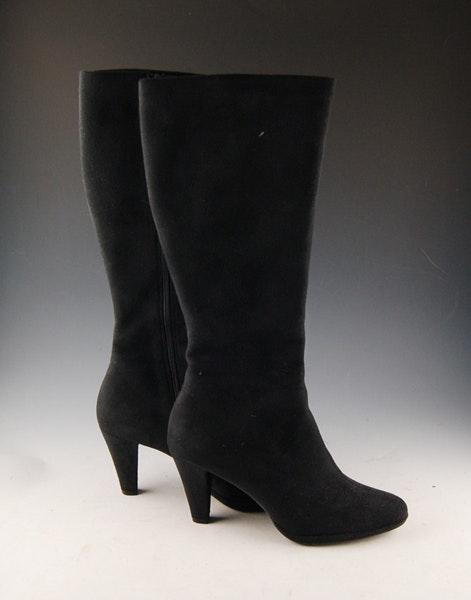 liz claiborne black microsuede boots ebth
