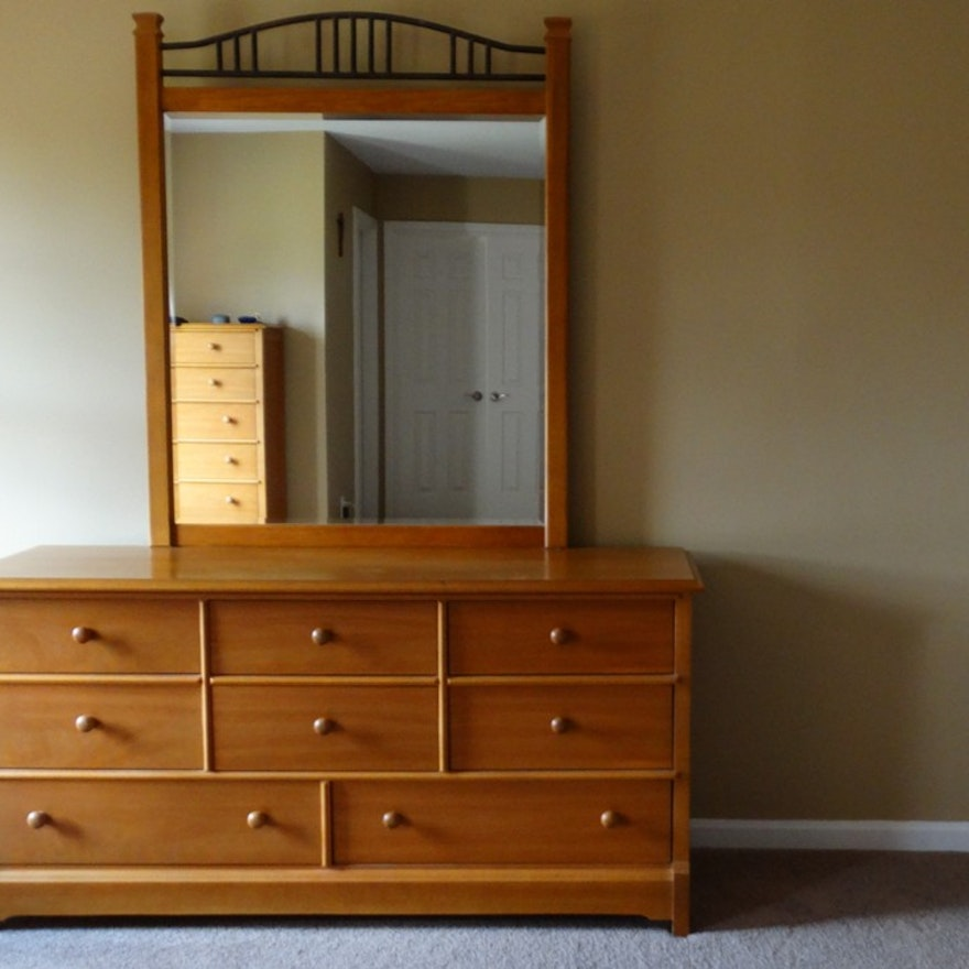 Thomasville Bedroom Furniture: Impressions By Thomasville Dresser And Mirror : EBTH