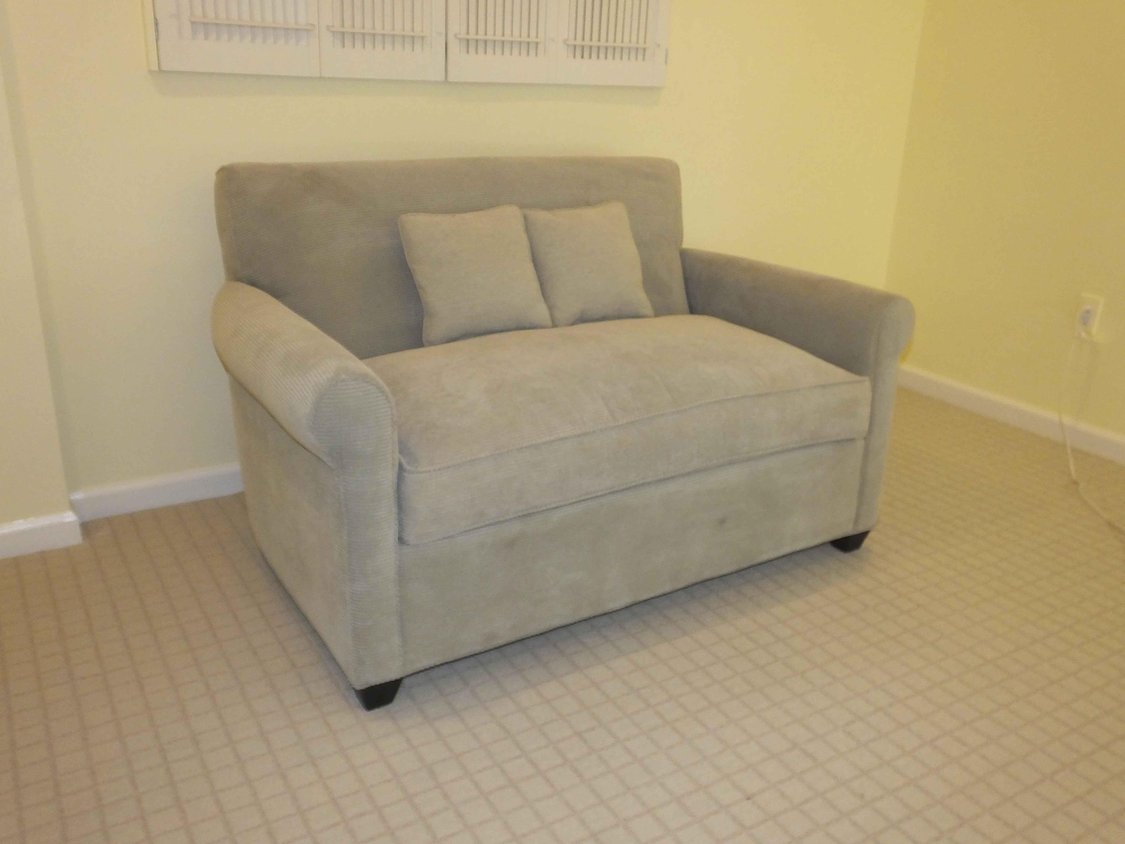 crate barrel sleeper seat sofa ebth
