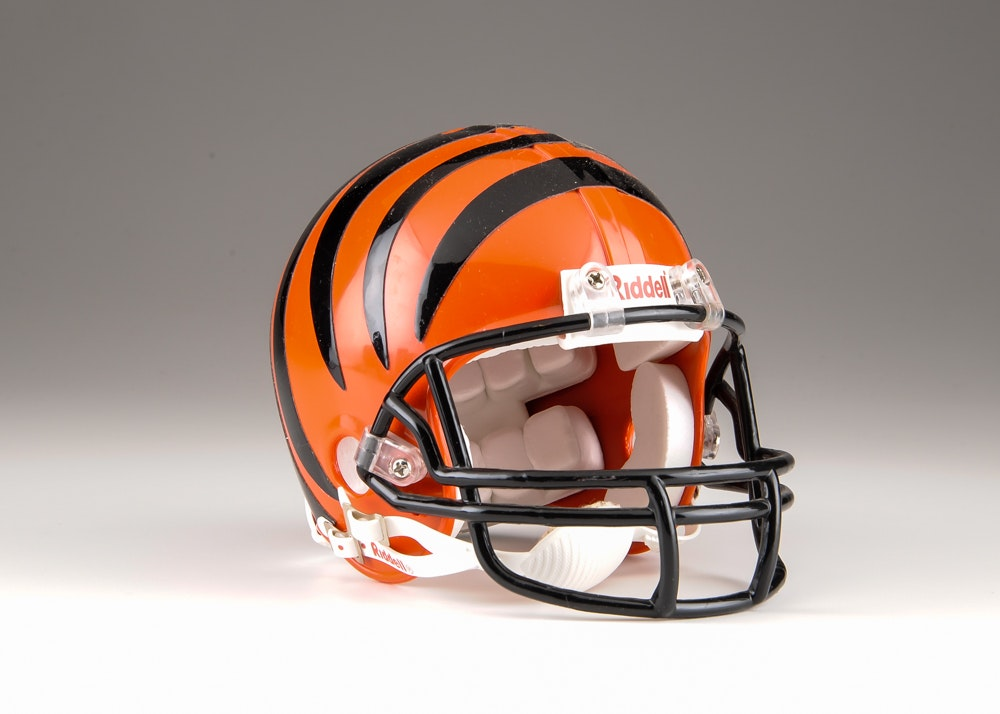 Cincinnati Bengal Andrew Whitworth Signed Helmet EBTH