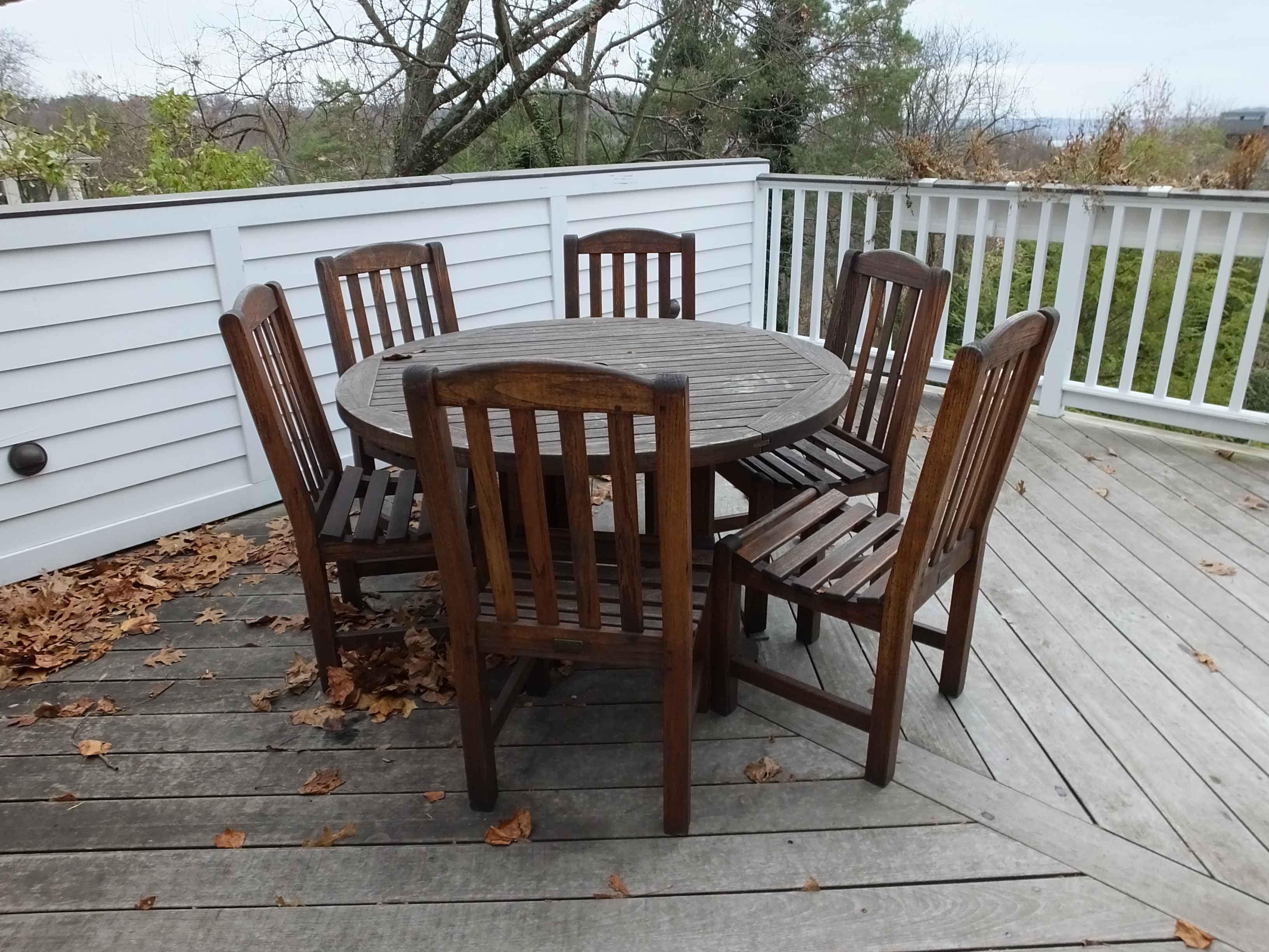 Smith And Hawken Teak Table And Chairs ...