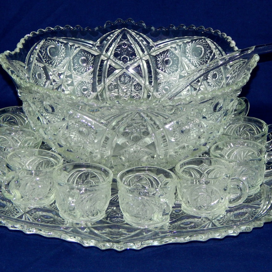 antique crystal punch bowl set ebth. Black Bedroom Furniture Sets. Home Design Ideas