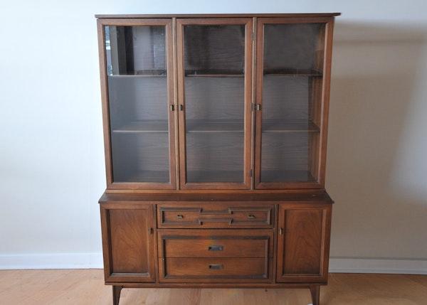 Mid Century Corner Cabinet: Mid-Century Cabinet With Hutch By Bassett : EBTH