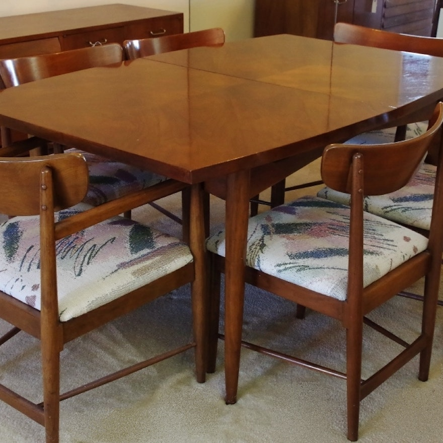 Mid Century Modern Dania Dining Table And Six Chairs Ebth