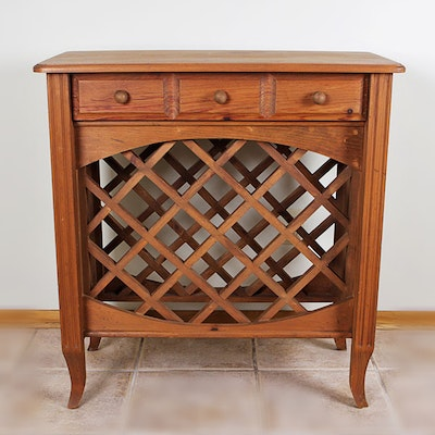 Vintage tables antique tables and retro tables auction in for Table 52 wine list