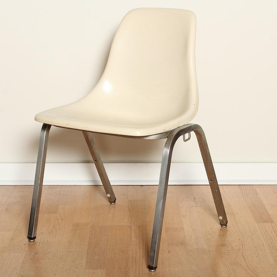 Mid Century Howell Molded Fiberglass Shell Chair Ebth