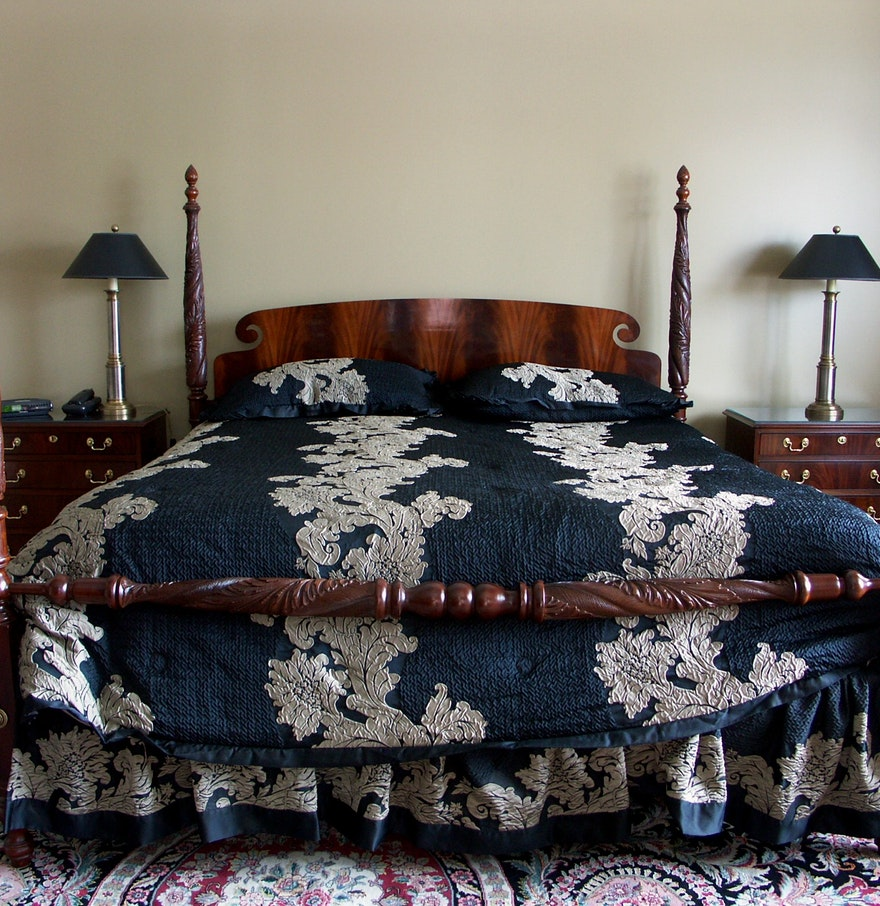 Beautiful baker furniture king size four poster bed ebth - Four poster king size bedroom sets ...