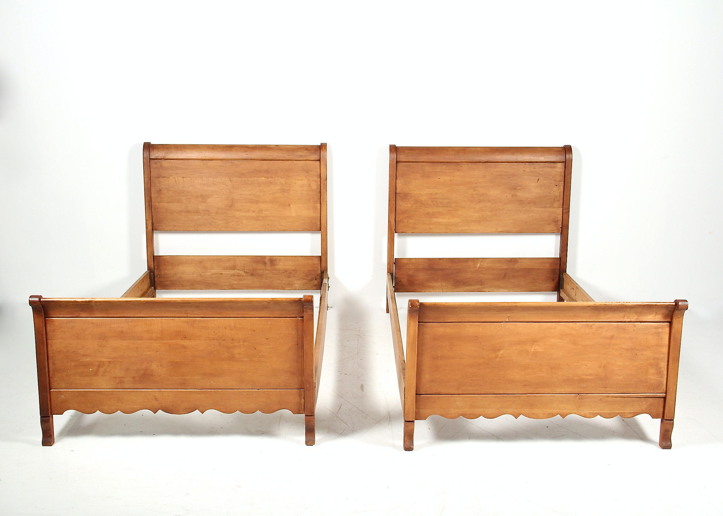 Pair Of Maple Sleigh Beds Ebth