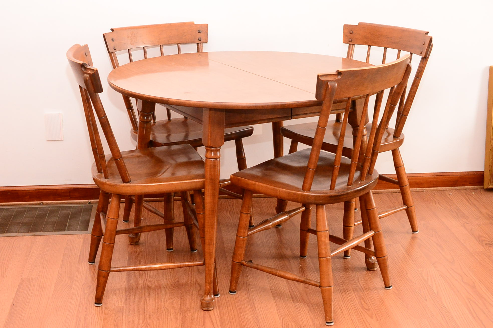 Maple Kitchen Table With Chair And Bench Ebth: Heywood-Wakefield Kitchen Table And Four Chairs : EBTH