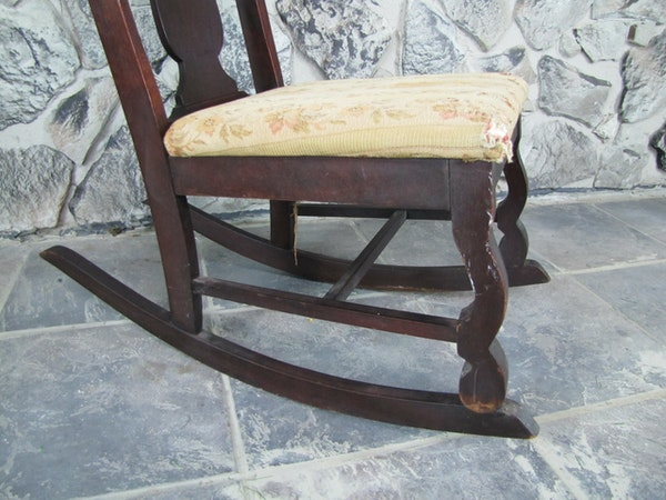Small Antique Nursing Rocking Chair Ebth
