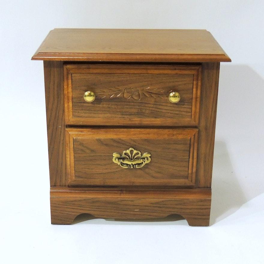 Oak Nightstand By Broyhill Furniture Ebth