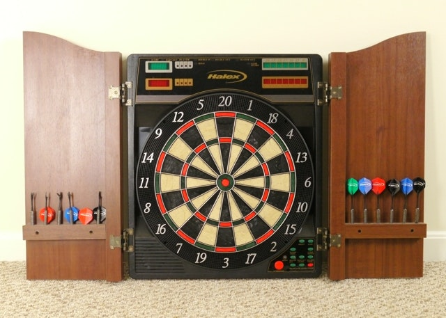 halex epsilon electronic dart board in wood cabinet ebth rh ebth com electronic dartboard with black cabinet electronic dartboard cabinet plans