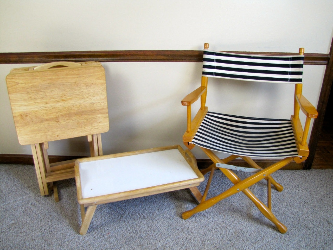 Wood Tray Table Set With Stand And Folding Director Chair ...