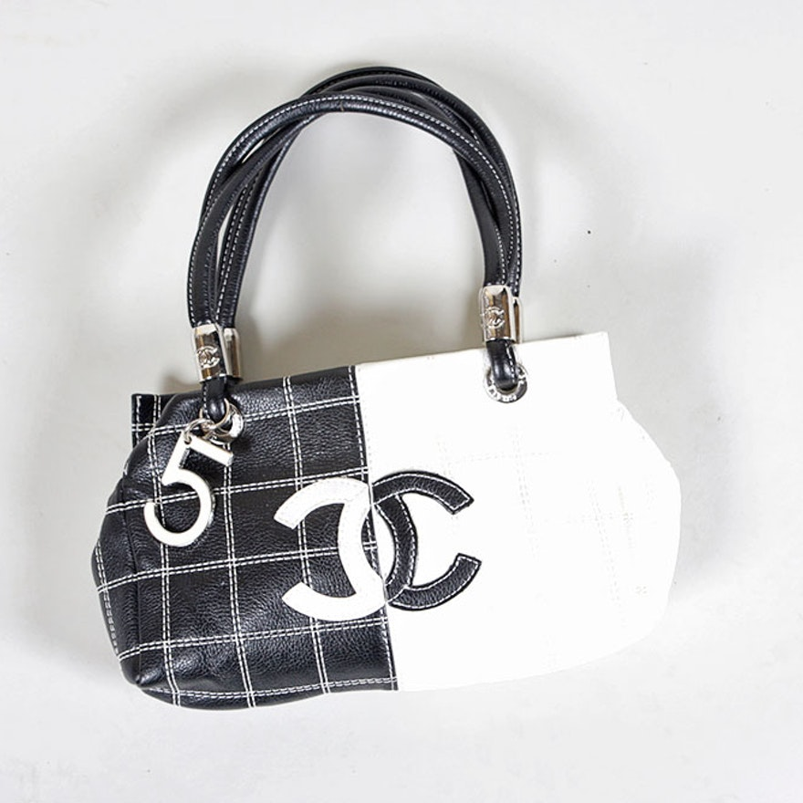 Chanel 5 Handbag In Black And White