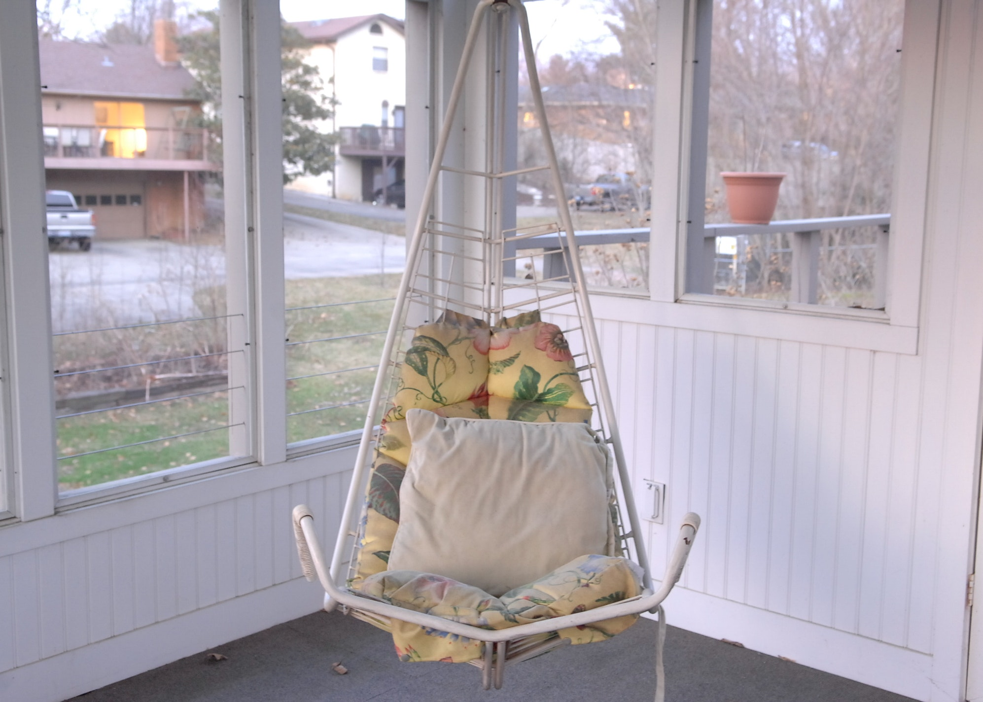 Ceiling Mounted Tulip Swing Chair Ebth
