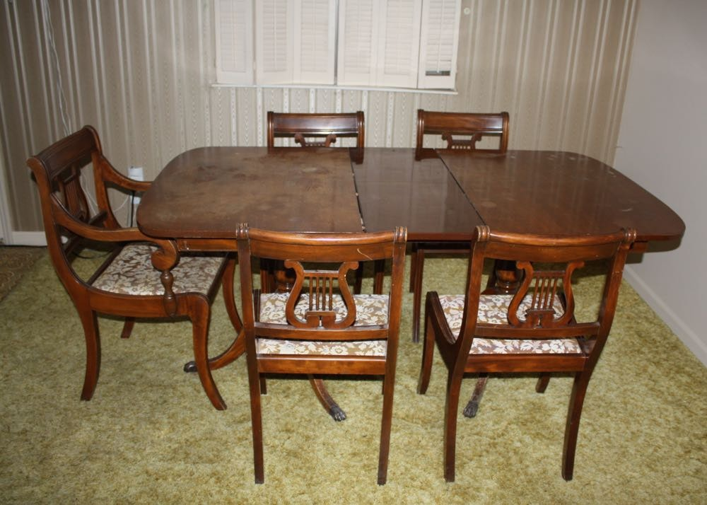 Duncan Phyfe Style Dining Table And Chairs ...
