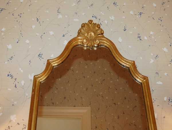 Ornate Gold Tone Mirror And Coordinating Bathroom Accessories : EBTH