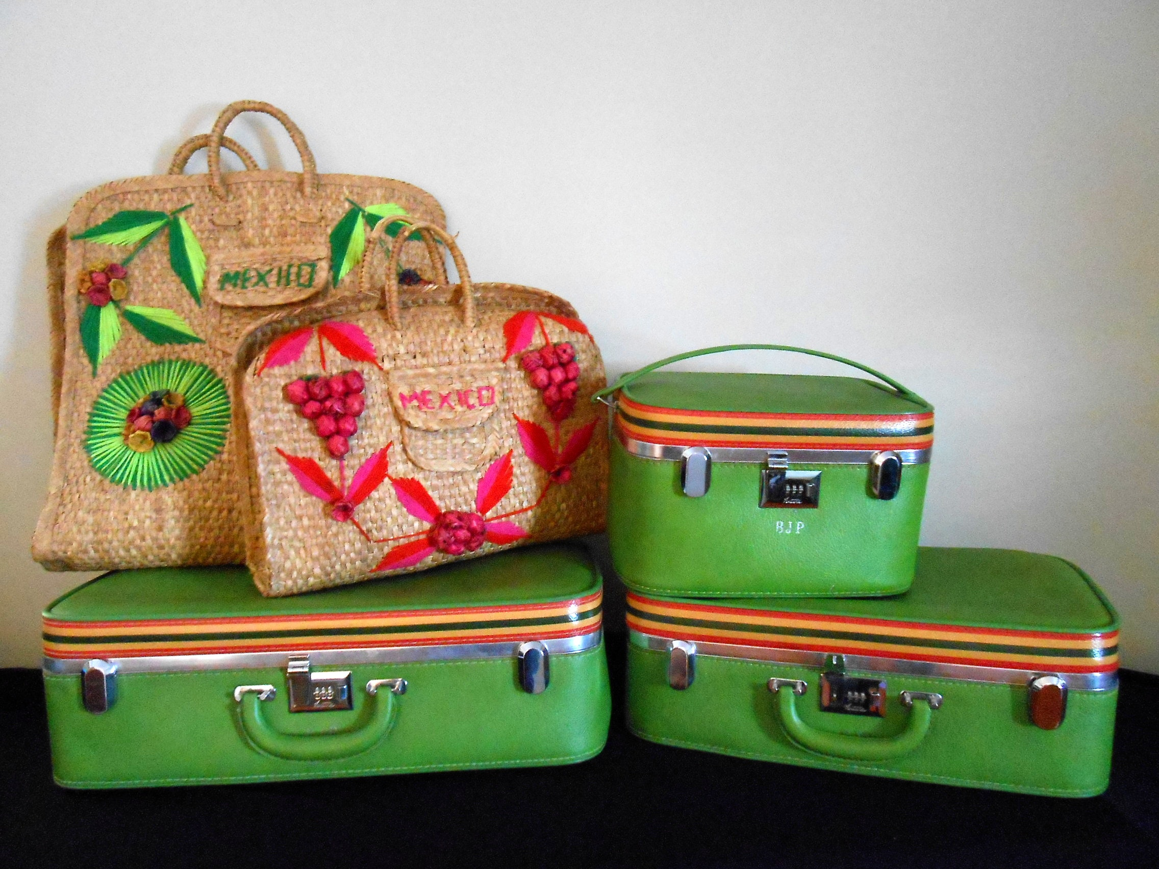 Vintage Ladies Ventura Luggage and Woven Totes : EBTH