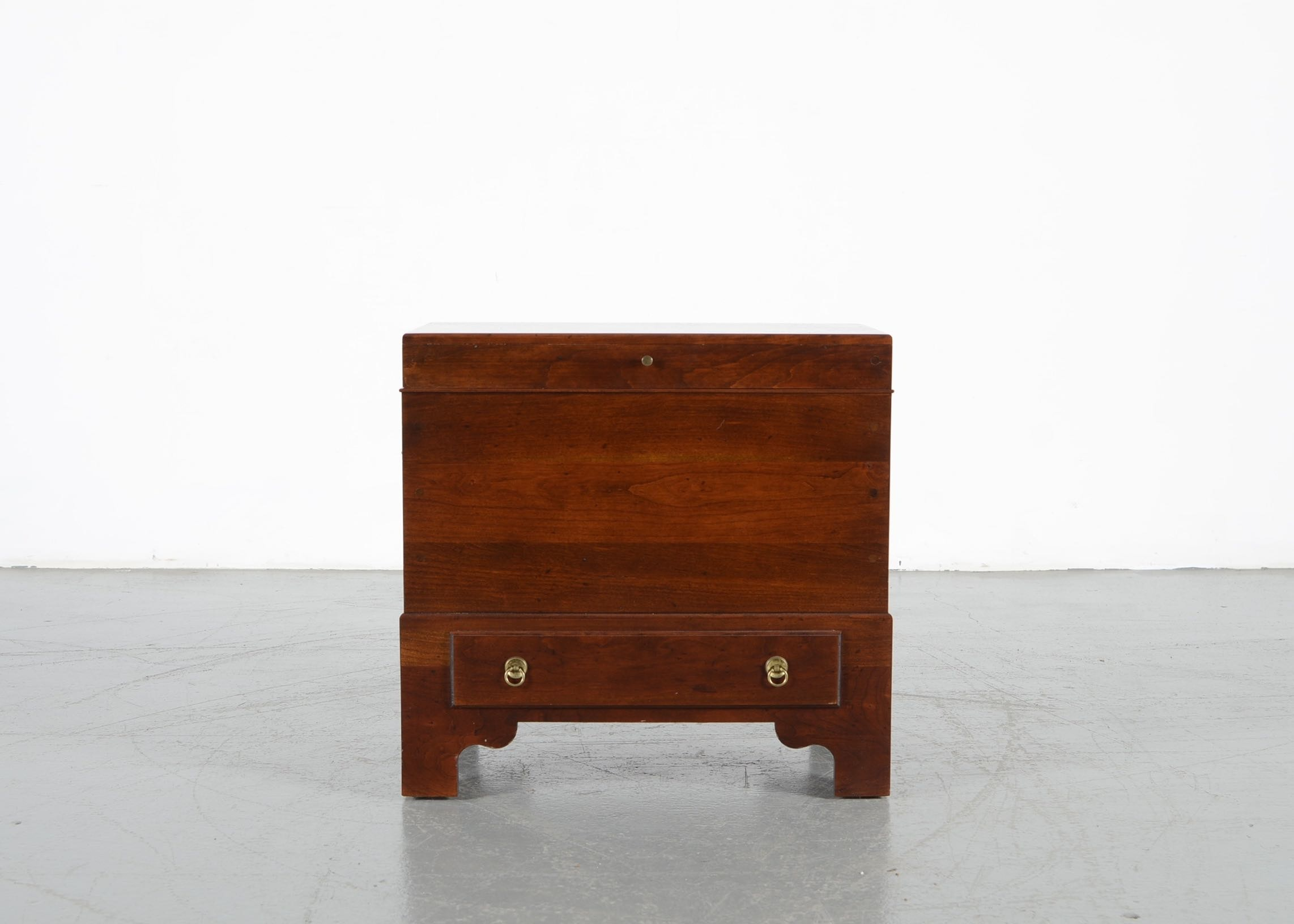 High Quality Madison Square Furniture Cherry Sugar Chest ...