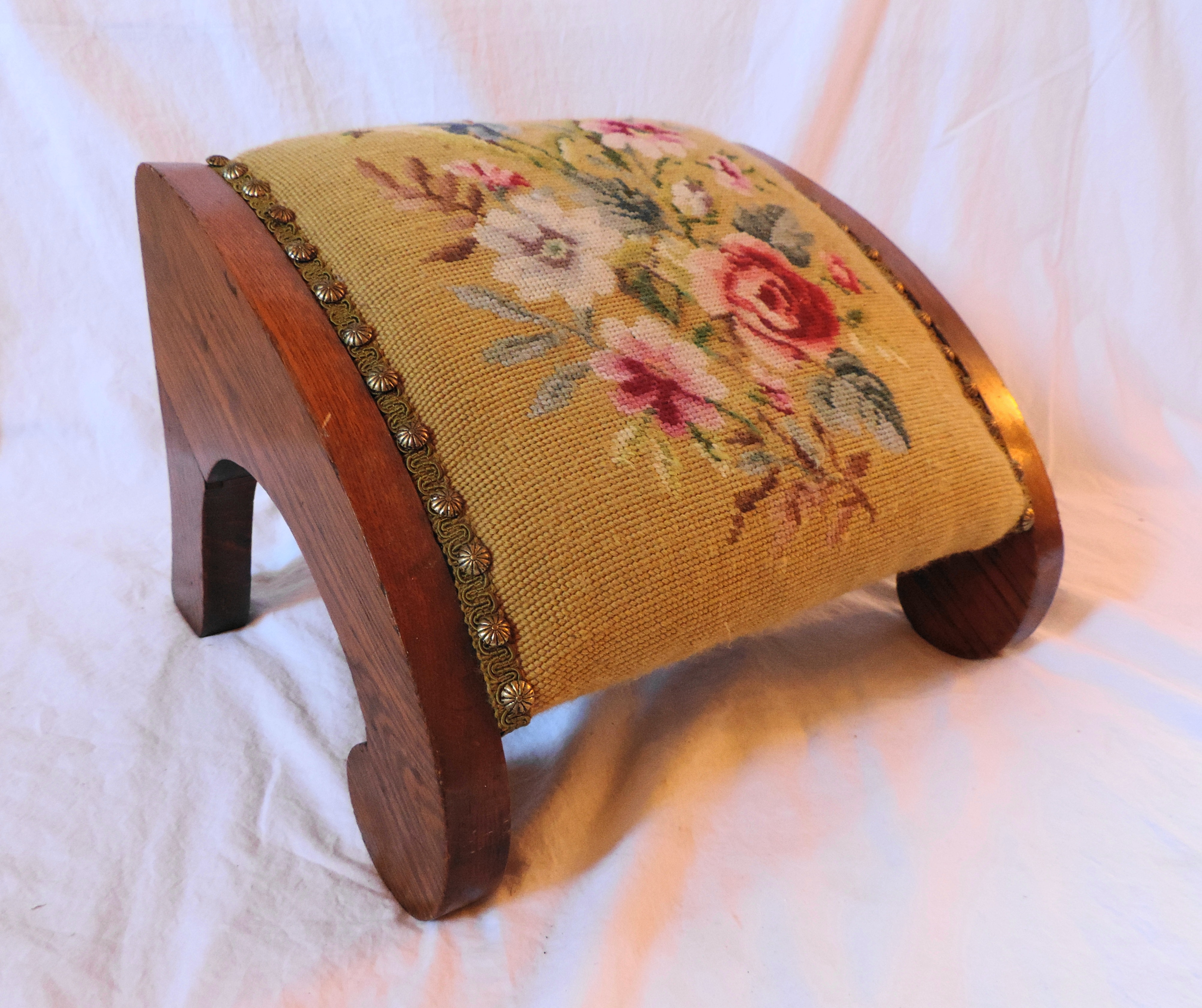 Vintage Oak Foot Stool With Needlepoint Upholstery Ebth
