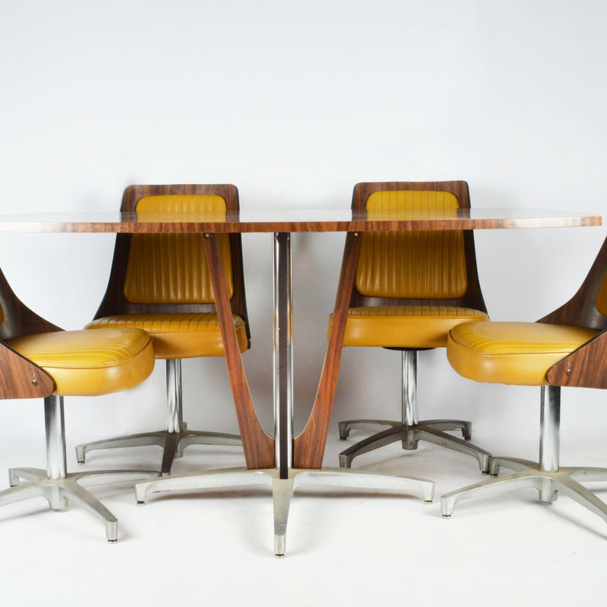 Vintage Modern Chromcraft Table And Chairs