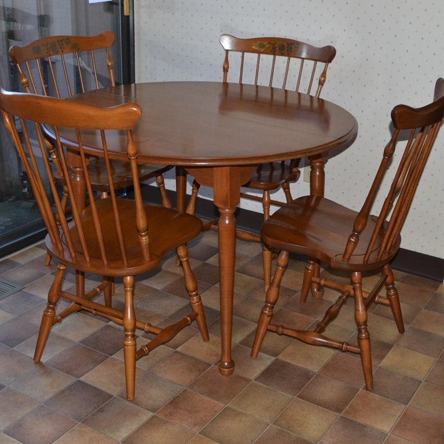 Reproduction Hitchcock Table Four Chairs