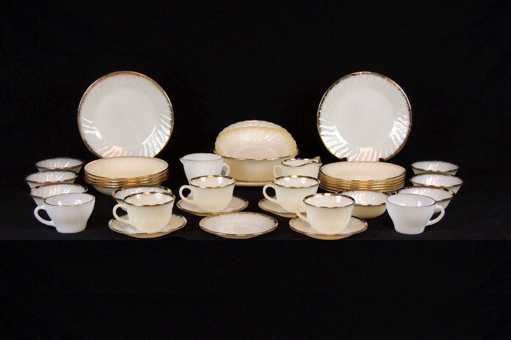 Fire King Ivory Swirl 1950s Glass Dinnerware Set with Gold Trim ... & Fire King Ivory Swirl 1950s Glass Dinnerware Set with Gold Trim : EBTH