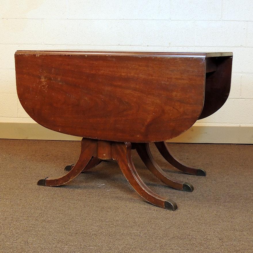 e11260ab0ed2 Duncan Phyfe Drop Leaf Mahogany Dining Table   EBTH
