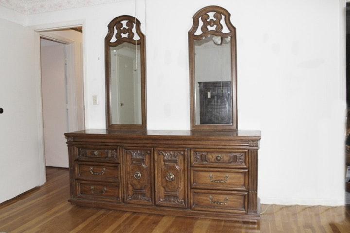 Vintage Thomasville Bedroom Set Ebth
