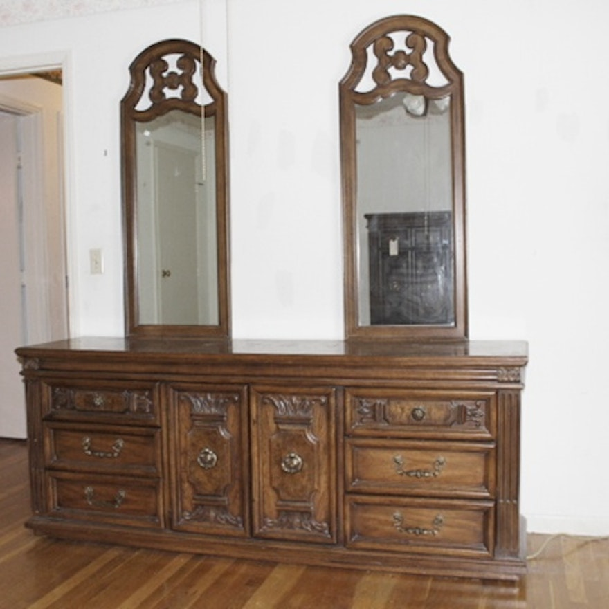 Vintage Thomasville Bedroom Set Ebth