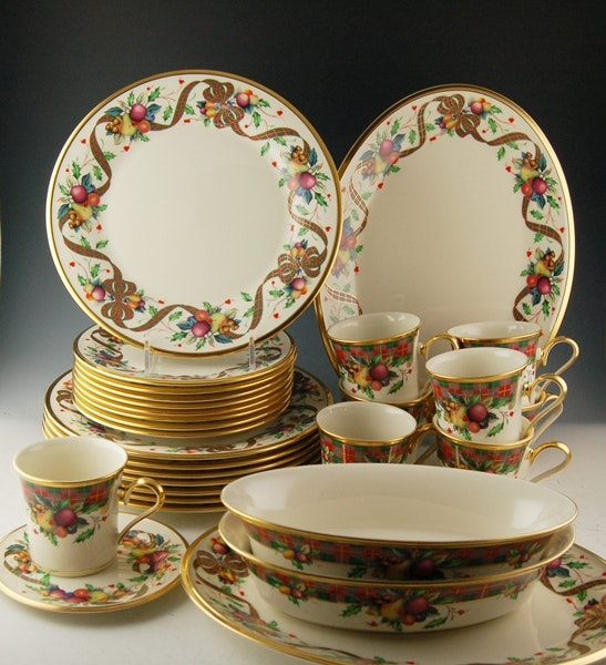 Lenox  Holiday Tartan  Fine China Set ... & Lenox