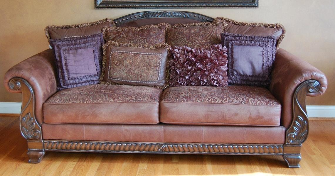 Bradington Tuffle Sofa From Ashley Furniture Ebth