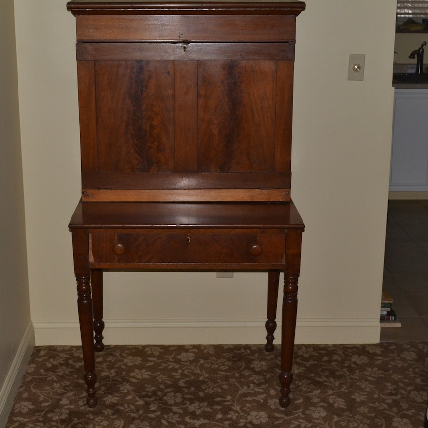 Mid 1800s Walnut & Oak Plantation Desk ... - Mid 1800s Walnut & Oak Plantation Desk : EBTH
