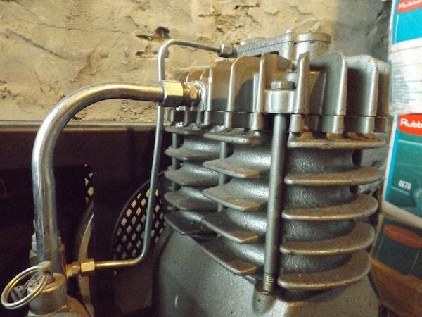 Vintage Campbell Hausfeld Air Compressor : Cambell hausfeld air compressor with westinghouse motor ebth