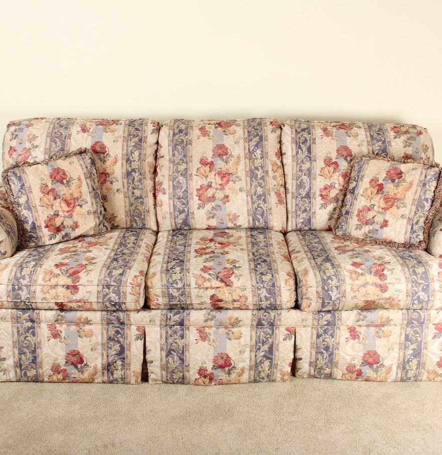 Traditional Style Floral Patterned Sofa Ebth