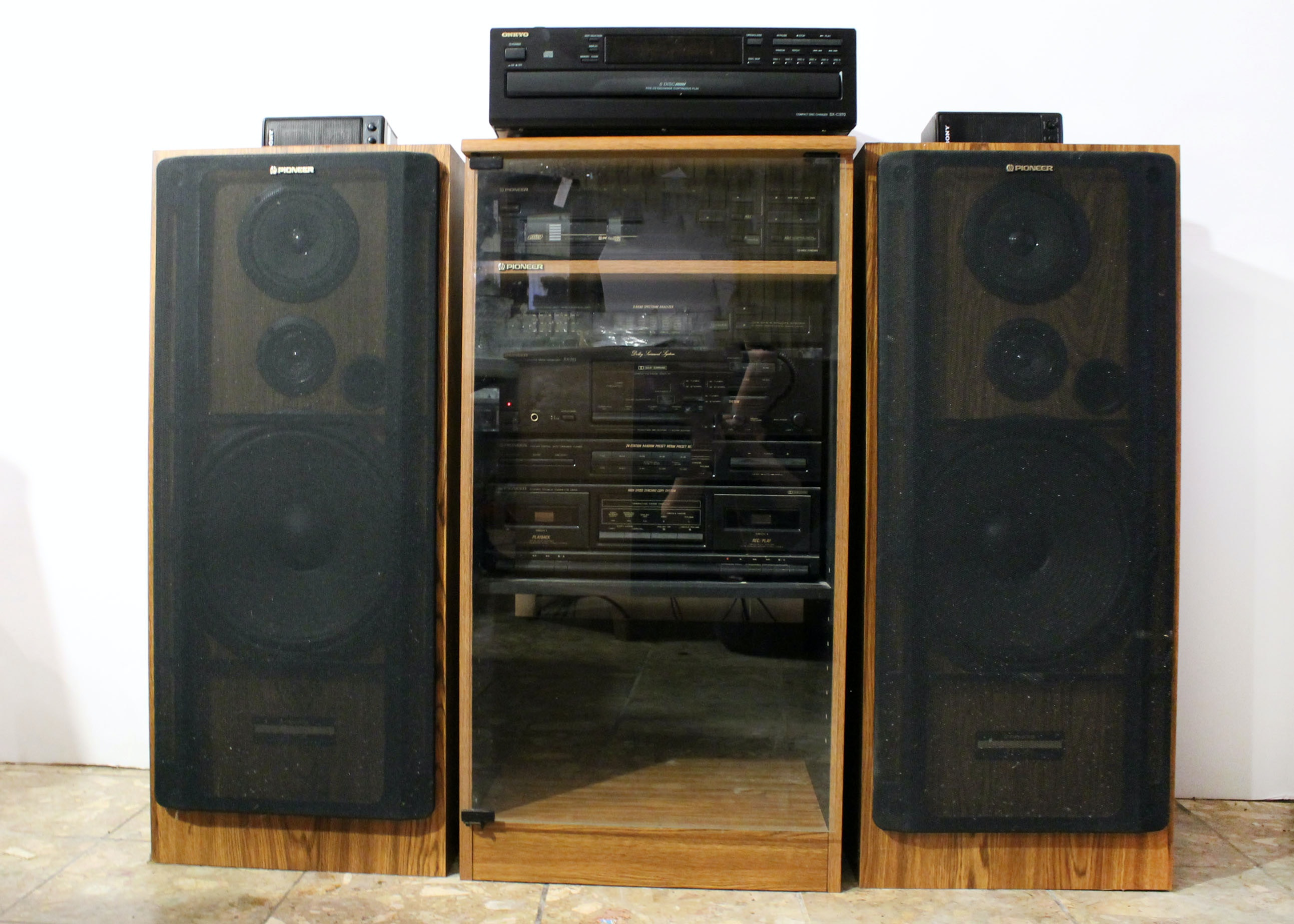 Bon Pioneer Stereo System With Cabinet ...