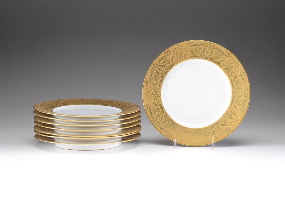 Eight Hutschenreuther Gold Rimmed Dinner Plates ...  sc 1 st  EBTH.com & Eight Hutschenreuther Gold Rimmed Dinner Plates : EBTH