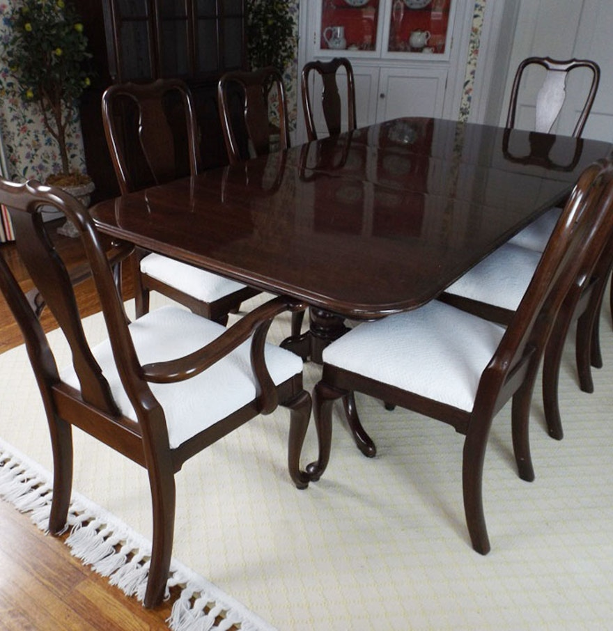 Gorgeous Ethan Allen Mahogany Dining Table And Eight