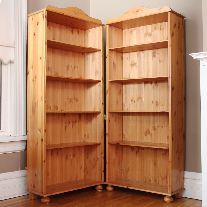 Knotty Pine Bookcases EBTH