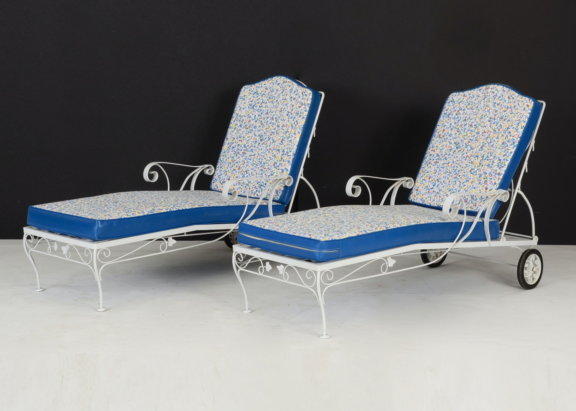 Pair White Wrought Iron Chaise Lounge Chairs EBTH