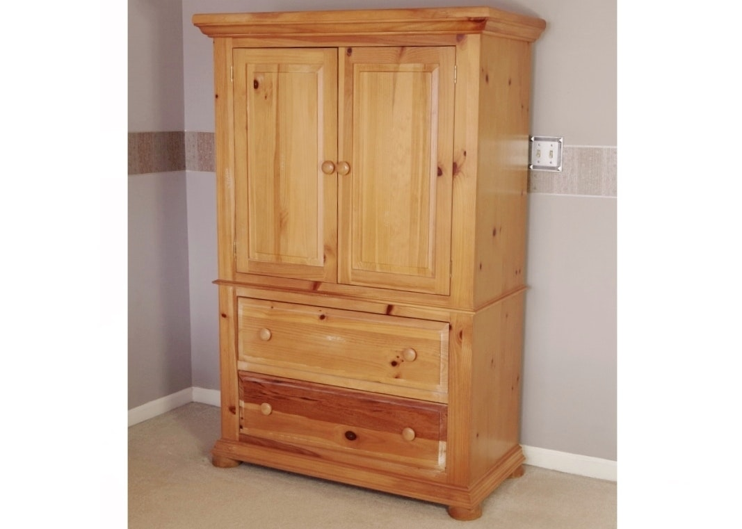 Broyhill Quot Fontana Quot Armoire Ebth