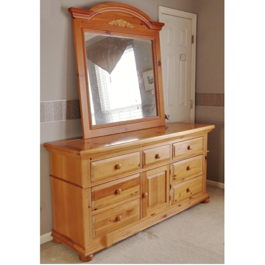 Broyhill Fontana Dresser And Mirror Ebth