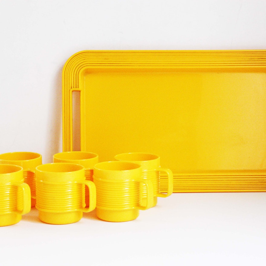 Rubbermaid Melamine Cups and Tray : EBTH